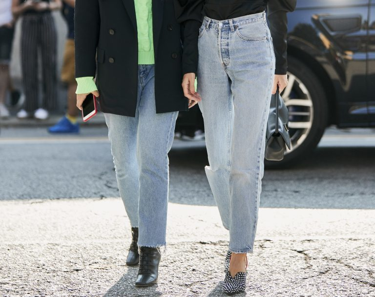 how to find the right jeans online