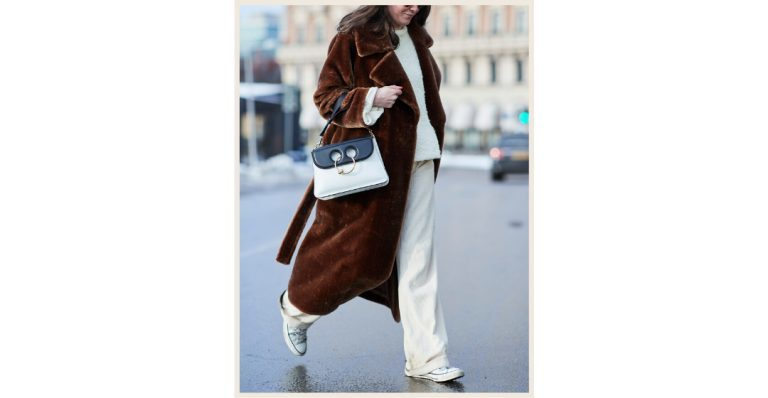 Wait, can you wear white trousers in Winter?-6752