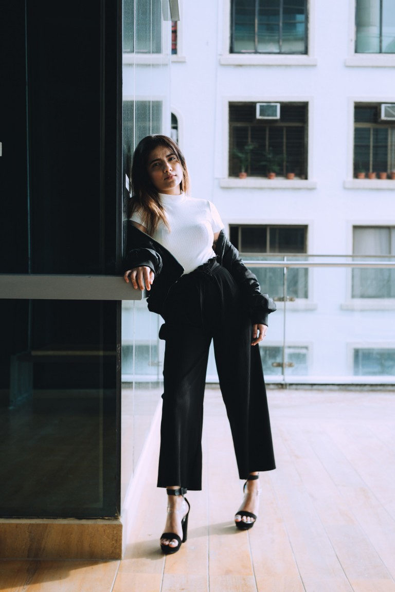Hot TIP   How to style formal trousers outside of the office-6836