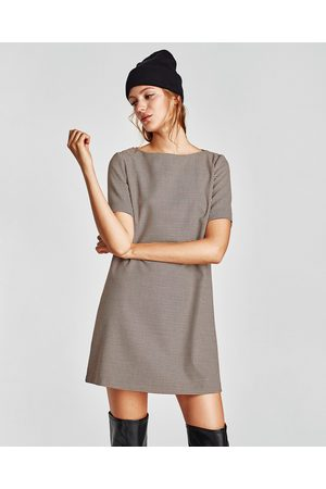 The ultimate mecca for high-fashion design at rock-bottom prices, Zara is couture without the cost. Unlike most fashion brands, Zara does nearly zero advertising, instead relying upon its rapid-fire production of trendy, runway-inspired clothing to attract fashion-savvy customers to .