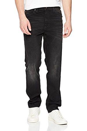 Mustang Men's Tramper Tapered Fit Jeans