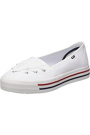 Tommy Hilfiger Women's Lace Low-Top Sneakers