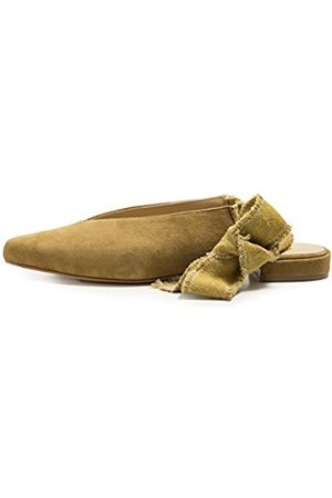 Howsty Women's Cleo Closed Toe Ballet Flats