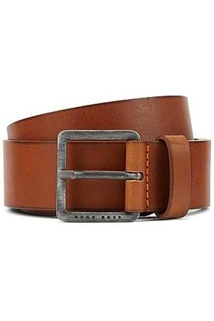 HUGO BOSS Leather belt with signature stitching