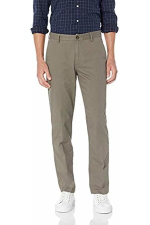 Amazon Essentials Men's Standard Straight-Fit Wrinkle-Resistant Flat-Front Chino Pant, Taupe