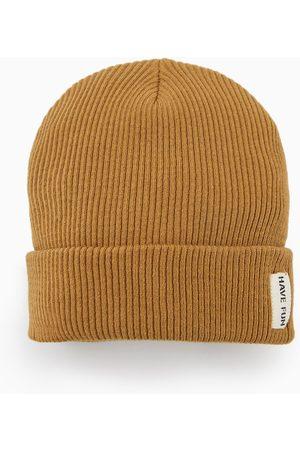 Zara Knit hat with label detail d5df38cc7077