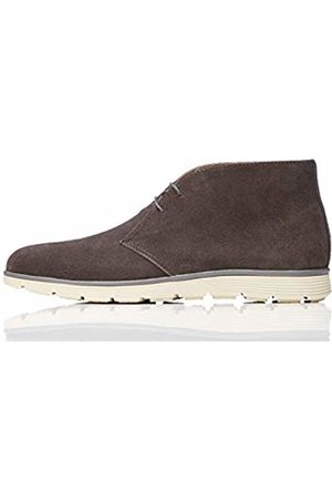 find. Leather Chukka Boots