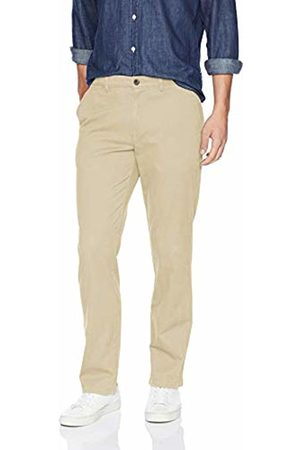 Amazon Essentials Men's Straight-Fit Casual Stretch