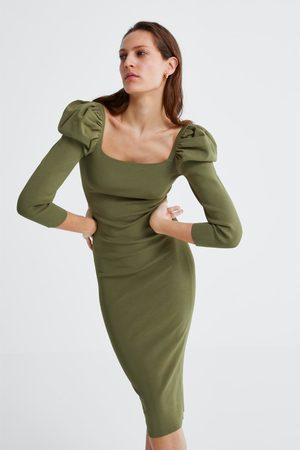 c4d490ff Puff sleeve dress