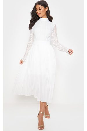 PRETTYLITTLETHING Lace Top Pleated Midi Dress