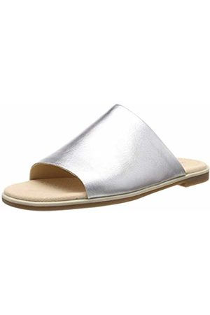 880614964bb8 Clarks Bay Petal Leather Sandals in Metallic Standard Fit Size 5