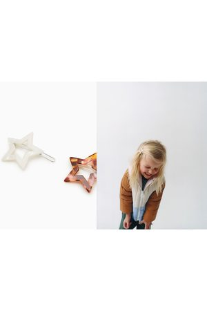 Zara 2-pack of pearly star hair clips