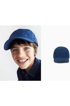 Zara Plain twill cap with label