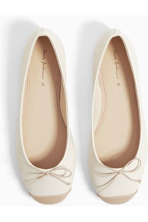 Zara Ballerinas with toecap and bow