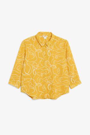 Monki Flowy pleat back blouse