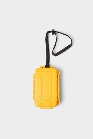 Zara Hard mobile phone case