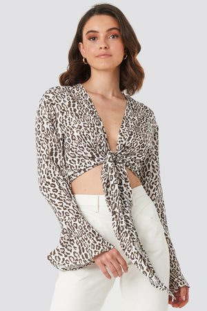 NA-KD Tie Front Cropped Blouse - Beige