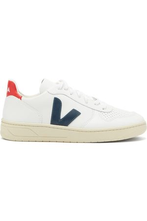 Veja V 10 Low Top Leather Trainers - Womens