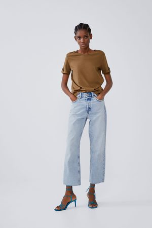 Zara T-shirt with buttoned sleeve tabs