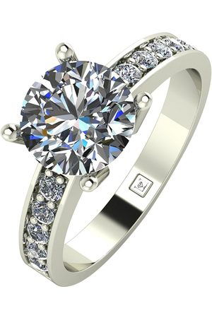 Moissanite Lady Lynsey 9Ct Gold 2.25Ct Total Round Brilliant Solitaire Ring With Stone Set Shoulders