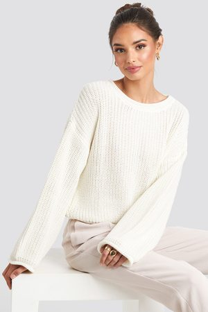 NA-KD Cropped Boat Neck Knitted Sweater - White