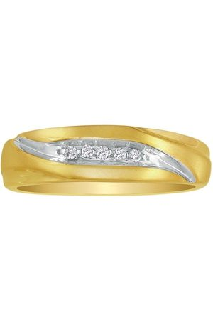 SuperJeweler Debonair Sweeping Men's Diamond Wedding Band in 10k (2.5 g), I/J
