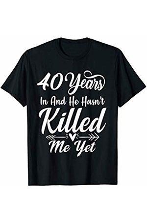 Medotukito 40th Wedding Anniversary Gift For Wife Her She Funny T-Shirt