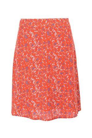 2nd Day SKIRTS - Knee length skirts