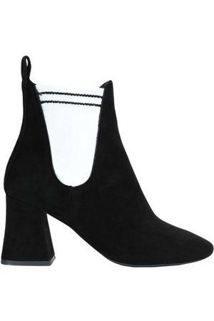 STEPHEN GOOD FOOTWEAR - Ankle boots