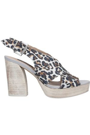 ZINDA FOOTWEAR - Sandals