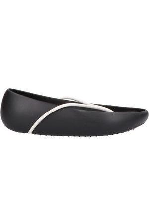 IPANEMA with STARCK® FOOTWEAR - Toe post sandals