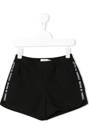 Le pandorine Girls Shorts - Side stripe running shorts