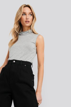 NA-KD Turtle Neck Sleeveless Ribbed Jersey Top - Grey
