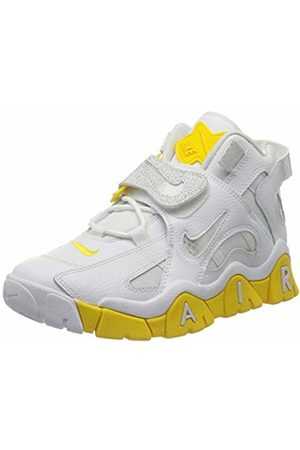 Nike Women's W AIR Barrage MID Basketball Shoe