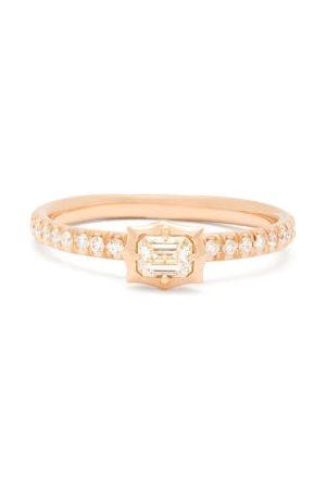 Jade Trau Vanguard Solitaire Diamond & 18kt Ring - Womens - Rose