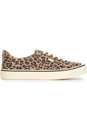 CARIUMA OCA Low Stripe Leopard Print Suede Sneaker