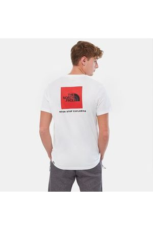 TheNorthFace Show your adventurous side: this classic t-shirt features bold prints on the front and back that show your passion for the outdoors. A lightweight feel helps keep things cool in sunny weather.