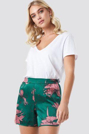 Rut & Circle Flower Smock Shorts - Green
