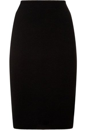 ST. JOHN Fitted Pencil Skirt