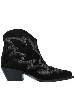 vic matiè FOOTWEAR - Ankle boots