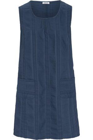 Kj Tunic Wash & Go round neckline size: 14