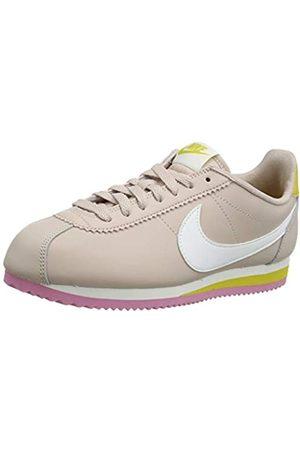 Nike Women's WMNS Classic Cortez Leather Running Shoe, Fossil Stone/Summit Saffron Quartz