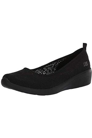 Skechers Women's Arya-AIRY Days Closed Toe Ballet Flats, ( Crochet/Trim BBK)
