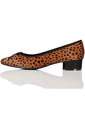 find. Mini Heel Leather Ballet Closed-Toe Pumps, Leopard)