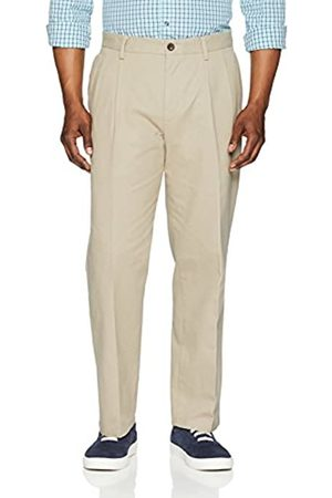 Amazon Essentials Classic-Fit Wrinkle-Resistant Pleated Chino Pant (Khaki)