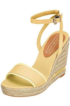 Tommy Hilfiger Women's Iconic Elena Tommy Pastel Platform Sandals, Yellow (Golden Haze 731)