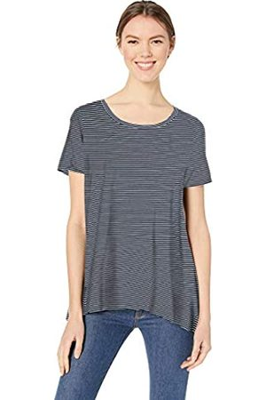 Amazon Essentials Patterned Short-Sleeve Scoopneck Swing Tee Shirt