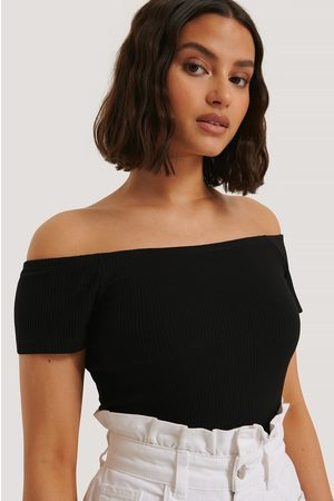 NA-KD Off Shoulder Short Sleeve Top - Black