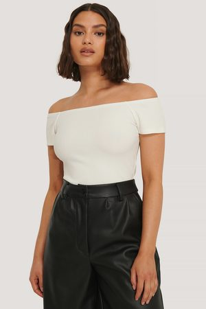 NA-KD Off Shoulder Short Sleeve Top - Offwhite