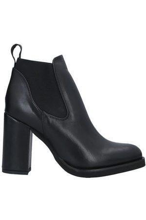 GENEVE Women Boots - FOOTWEAR - Shoe boots